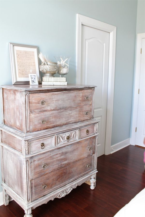 38 Adorable White Washed Furniture Pieces For Shabby Chic And Beach D Cor Digsdigs
