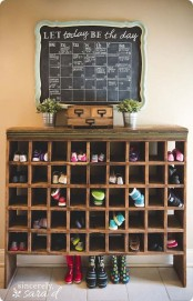 adorably-practical-ideas-to-organize-shoes-in-your-home-21