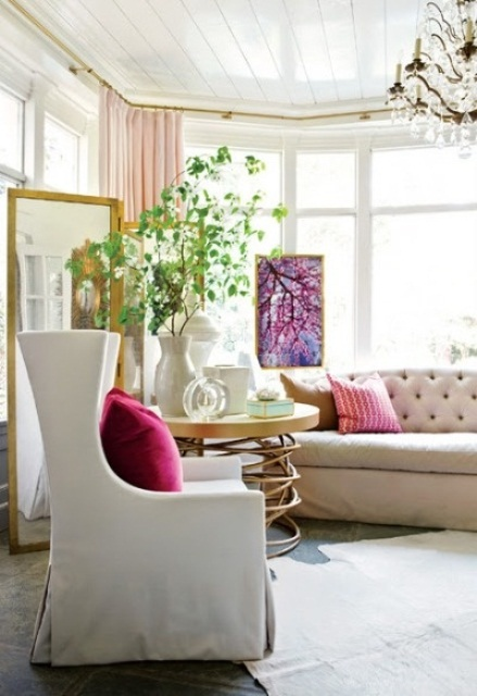 66 Airy And Elegant Feminine Living Rooms - 44 - Pelfind