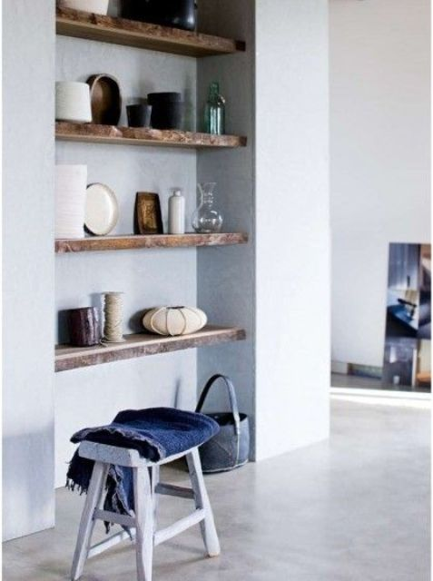 Airy And Functional Niche Shelves For Modern Decor