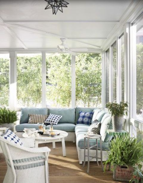 28 airy scandinavian sunroom designs digsdigs for Enclosed porch furniture ideas