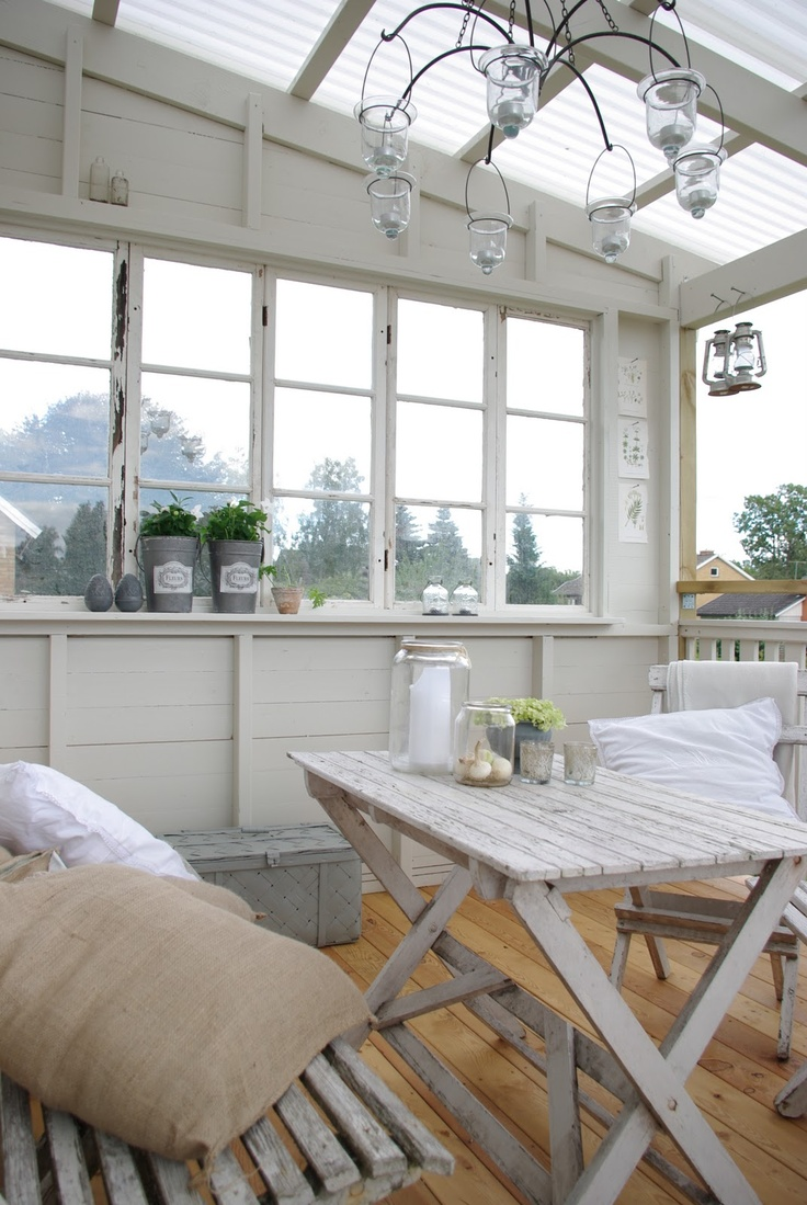 28 airy scandinavian sunroom designs digsdigs for How to design a sunroom