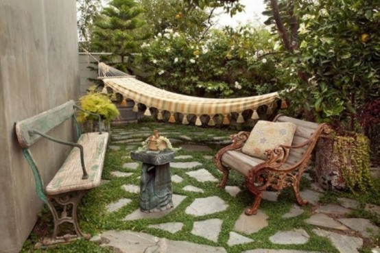 Amazing Back Yard In A Mix Of Styles