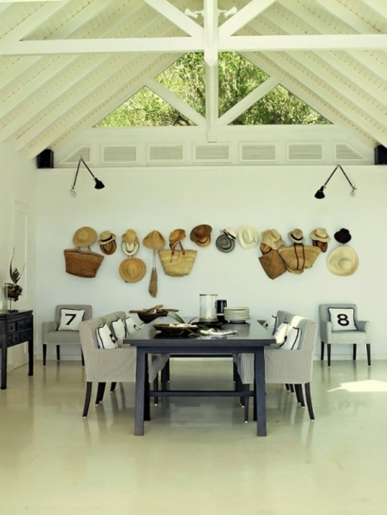 Amazing Island Villa With Aboriginal Objects Of Art