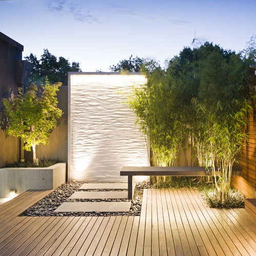 49 amazing outdoor water walls for your backyard digsdigs for Asadores contemporaneos jardin