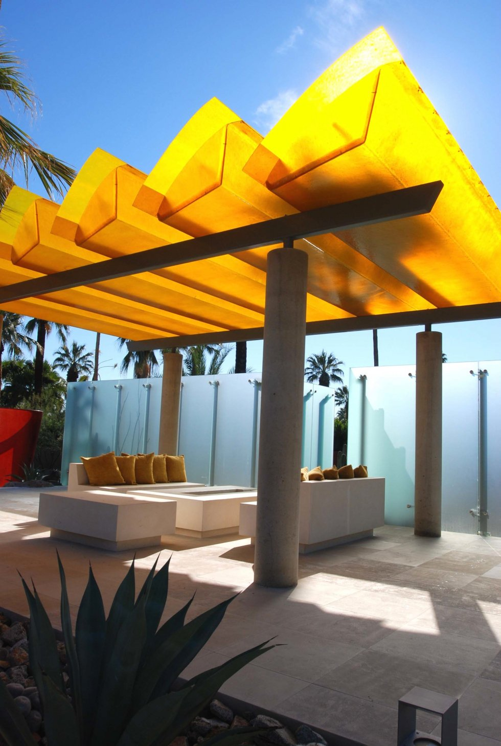 Amazing Poolside Area Designs