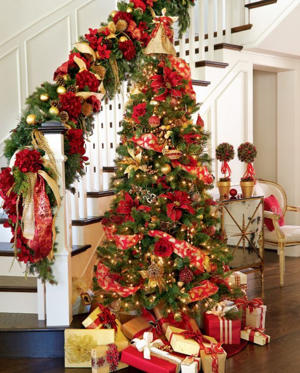 32 amazing red and gold christmas d cor ideas digsdigs Christmas decorating themes