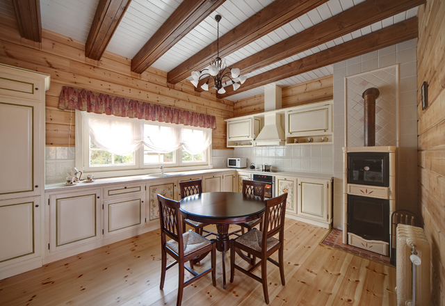 Amazing Wooden Coutry House Design
