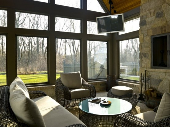 An Entertaining Sunroom