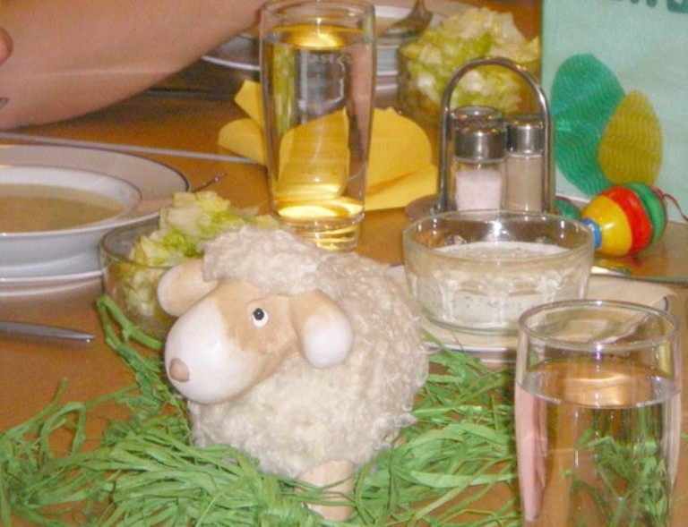 Animals In Your Easter Decorations