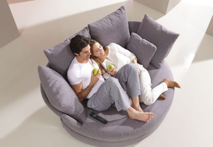 Comfy Sofa Inspired By An Apple Digsdigs
