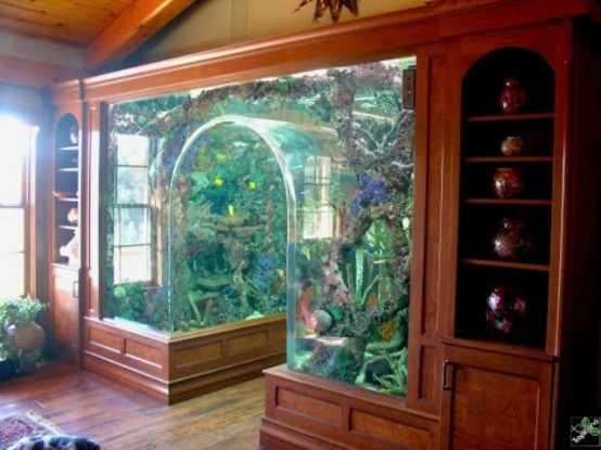 55 original aquariums in home interiors digsdigs for Decoration aquarium maison