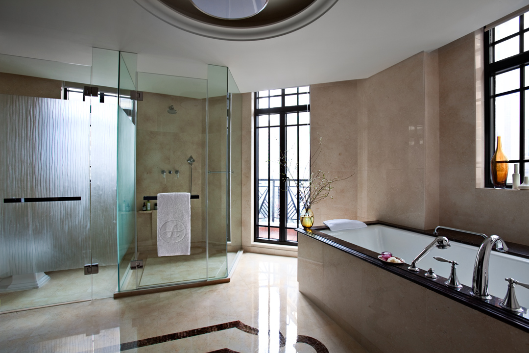 15 art deco bathroom designs to inspire your relaxing for Pics of bathroom designs