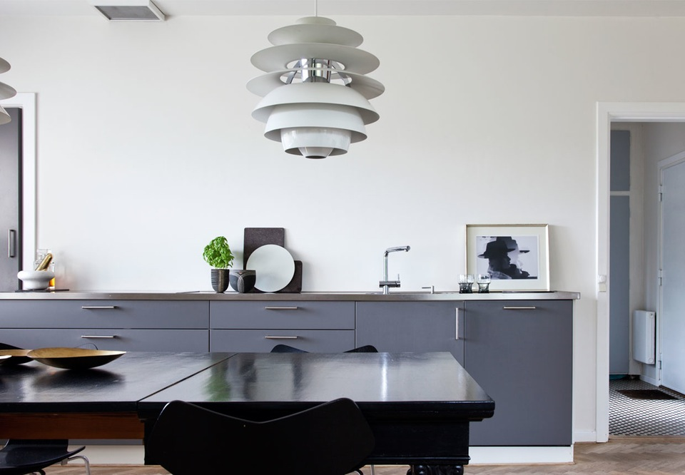 Art Full Modern Home With Stylish And Simple Decor