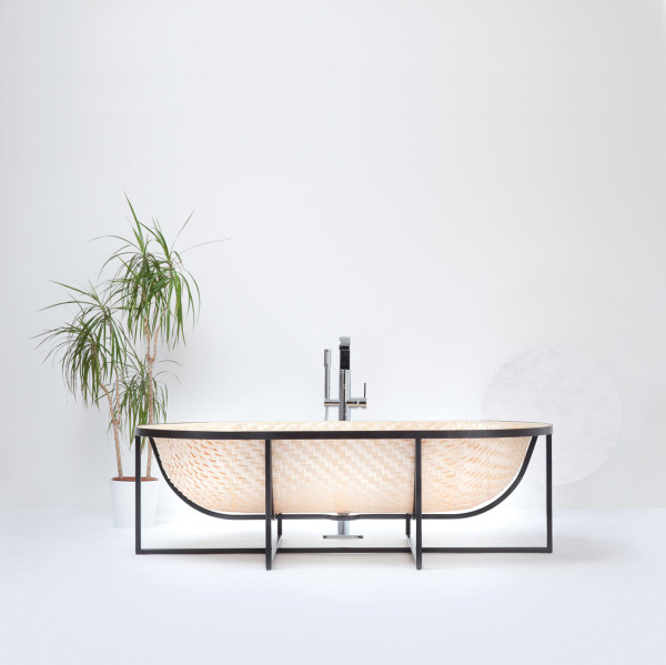 Picture Of asian boat inspired bathtub made of wood veneer  2