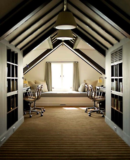 37 cool attic home office design inspirations digsdigs for Garage with attic