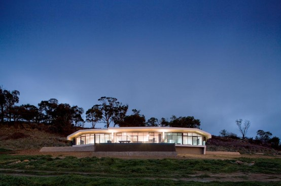 Avenel House With Warm Design