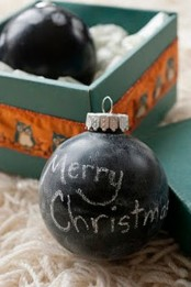 chalkboard Christmas ornaments are cute and chic, you can chalk any wishes and leave any meassages