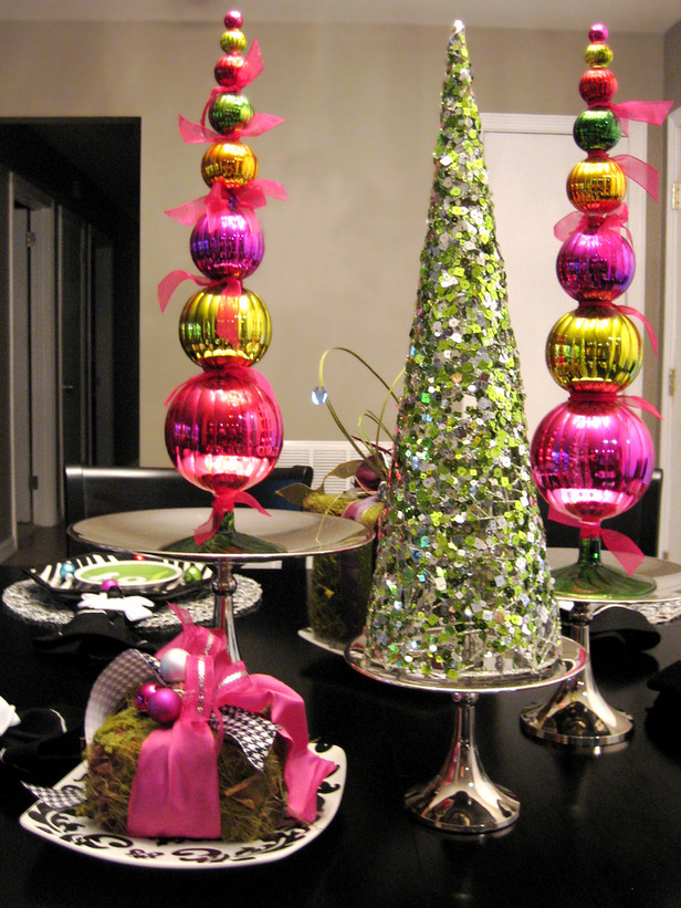 35 awesome christmas balls and ideas how to use them in Christmas decorating diy
