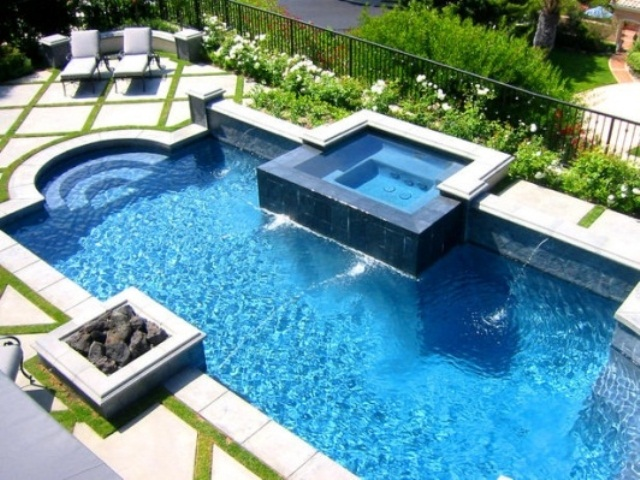 48 awesome garden hot tub designs digsdigs for Pool exterior design