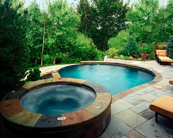 48 awesome garden hot tub designs digsdigs for Pool design with hot tub