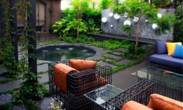 48 awesome garden hot tub designs digsdigs for Outside landscape design