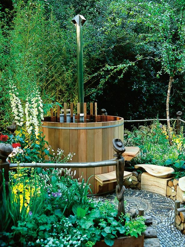 Backyard Landscaping Hot Tub : Awesome garden hot tub designs digsdigs