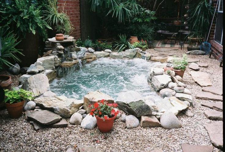 48 awesome garden hot tub designs digsdigs - Jacuzzi de nage exterieur ...