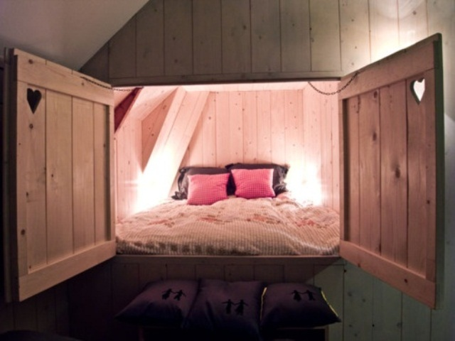 38 super practical hidden beds to save the space digsdigs for Nice bed designs
