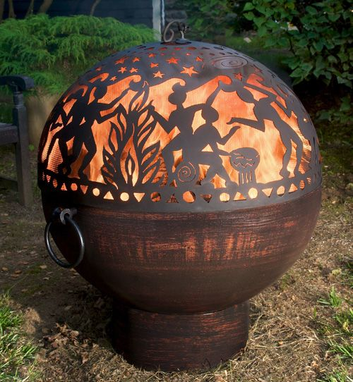 62 awesome outdoor fire bowls to add a cozy touch to your for Boule metal deco jardin