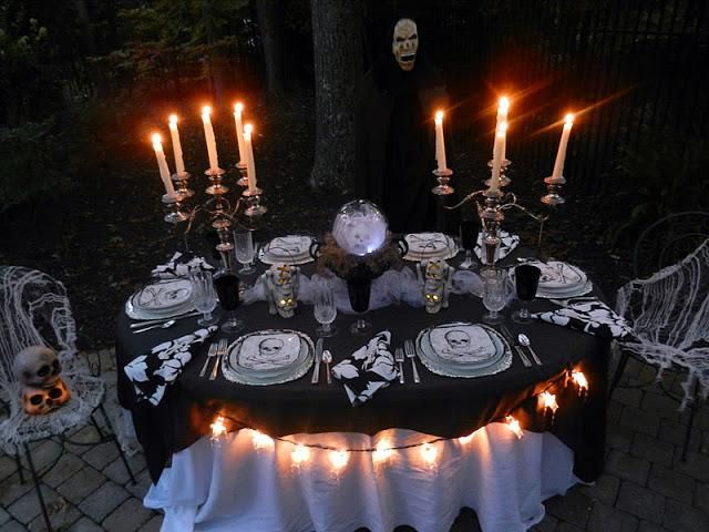 28 awesome outdoor halloween party ideas digsdigs for Halloween party decoration ideas outdoor