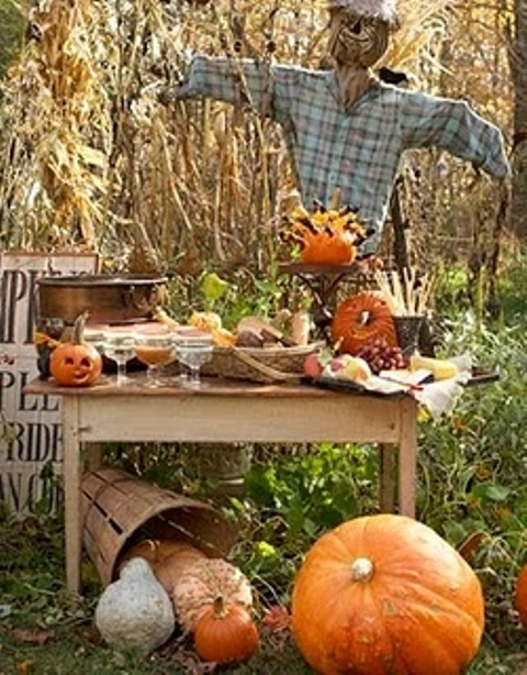 60 awesome outdoor halloween party ideas digsdigs for Vintage outdoor decorating ideas