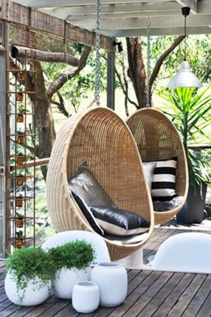 33 awesome outdoor hanging chairs digsdigs - Salon de jardin cocoon ...