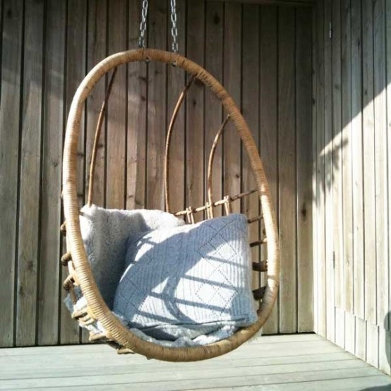 Beautiful 33 Awesome Outdoor Hanging Chairs