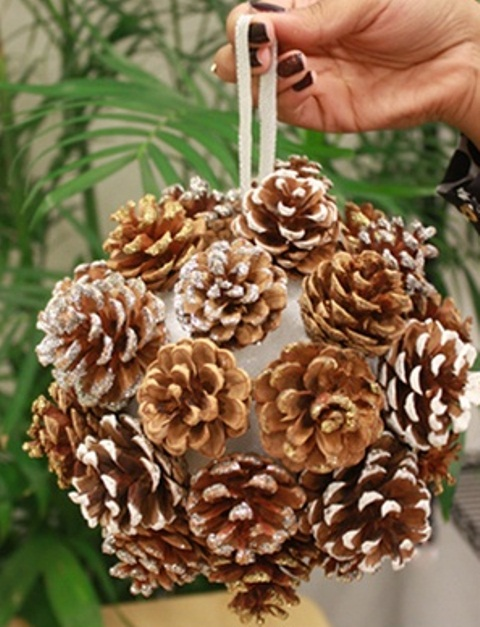 awesome pinecone decorations for christmas - How To Decorate Pine Cones For Christmas Ornaments