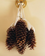 Awesome Pinecone Decorations For Christmas