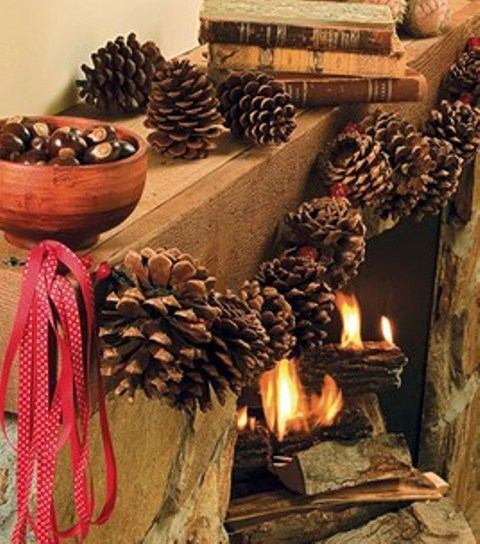 Natural mantel decorations are perfect if you want your decor looks rustic.