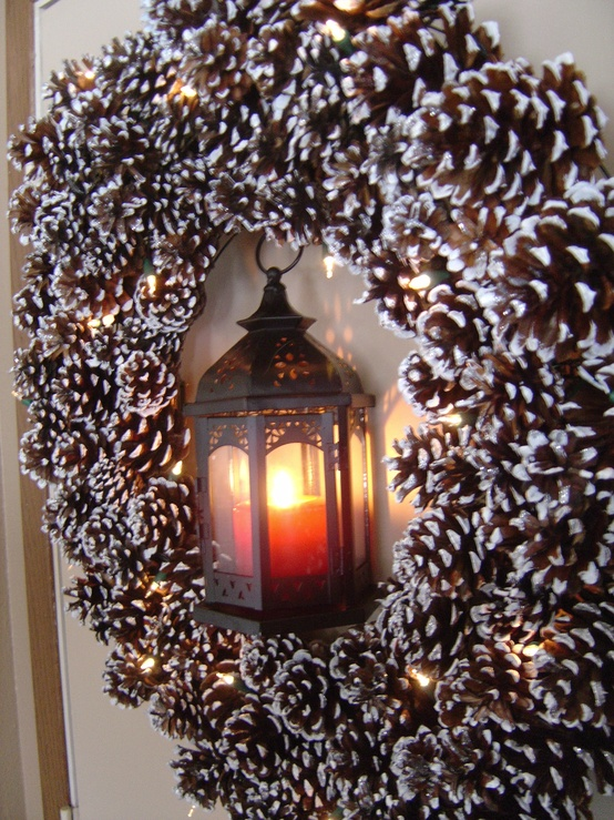 55 awesome outdoor and indoor pinecone decorations for - Guirlande pomme de pin noel ...
