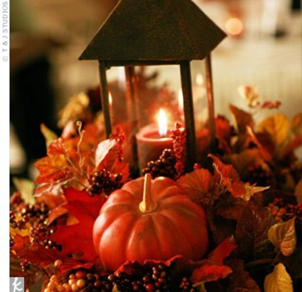 47 awesome pumpkin centerpieces for fall and halloween for Autumn wedding decoration ideas