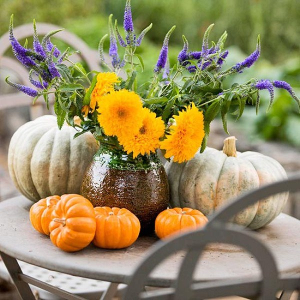 47 awesome pumpkin centerpieces for fall and halloween for Autumn flower decoration