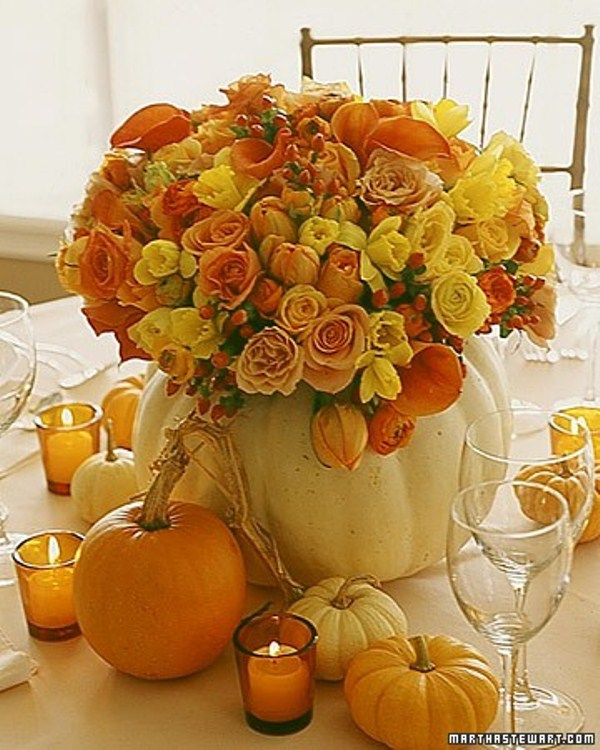 47 awesome pumpkin centerpieces for fall and halloween for Pictures of fall table decorations