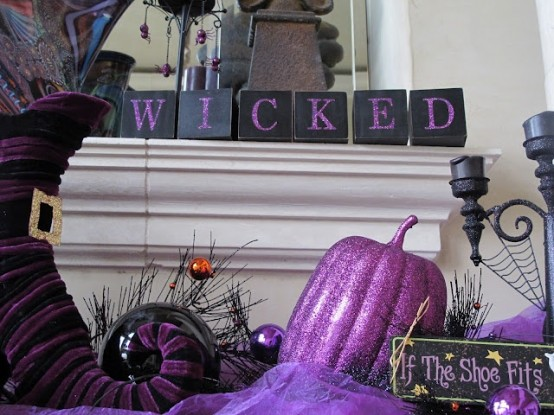 Awesome Purple Halloween Decor Ideas