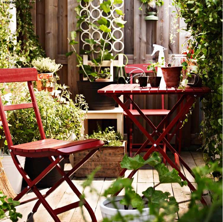 24 awesome spring balcony d cor ideas digsdigs for Decoration jardin printemps