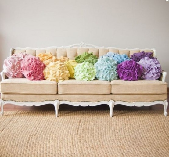 Awesome Statement Textiles To Highlight Your Home Decor