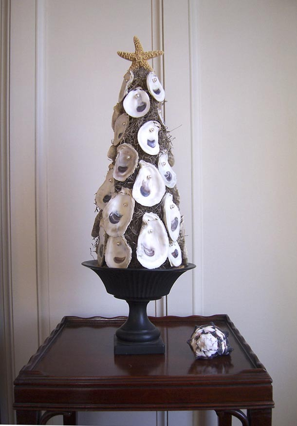 35 awesome traditional christmas tree alternatives digsdigs for Unique christmas tree themes
