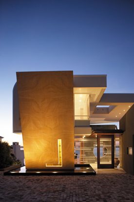 Luxury Riverfront House – B-Hive by Hartree Architects