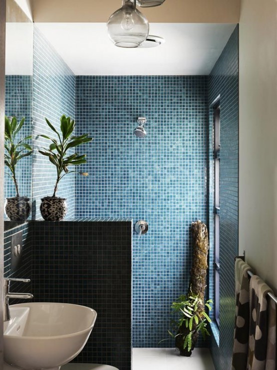 Creative Décor: 39 Bathrooms With Half Walls