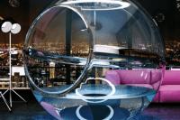 bathsphere-suspended-glass-bubble-bathtub-2