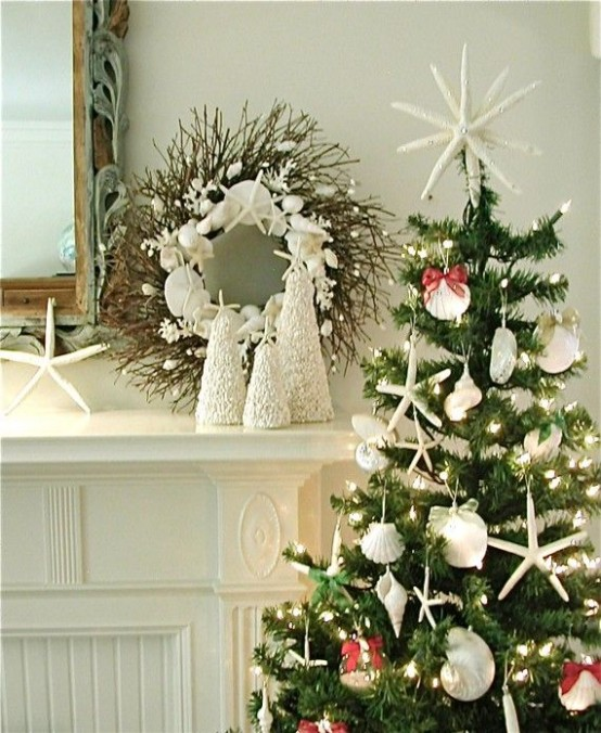 32 beach christmas d cor ideas digsdigs for Beach coastal decorating ideas