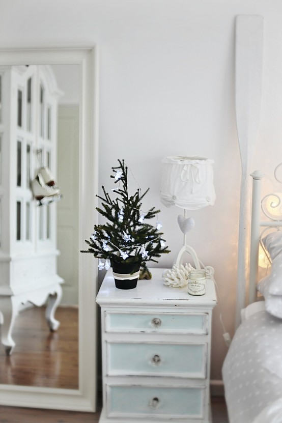 Beach Christmas Décor Ideas DigsDigs - Christmas theme decorating ideas